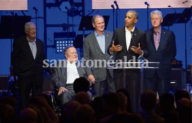 Obama, Clinton, Carter, George H. W. Bush y su hijo George W.