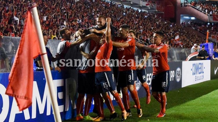 Independiente venció a Flamengo en la primera final